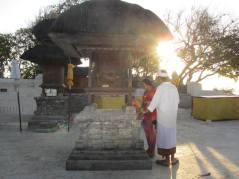 Cerimonia e offerte in un Tempio Balinese