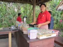 Preparazione del Kopi Luwak, cioccolata e tisane